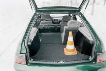 Объем багажника ВАЗ-2112 можно было увеличить сложив задние сиденья